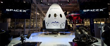 SpaceX Passenger Dragon Spaceship Debuts