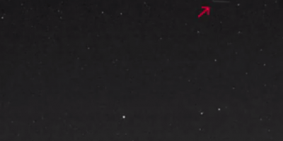 Cigar-Shaped UFO Filmed Hovering Above Mexican Volcano – May 2015