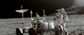 NASA's 1971 Apollo 15 Video Clip Shows UFO Parked On Lunar Surface