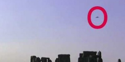 UFO Photographed over Stonehenge