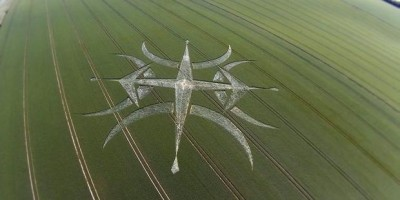 Crop Circle Found Near Stonehenge – 2015