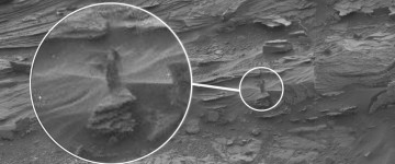Woman appears in Mars Rover Image