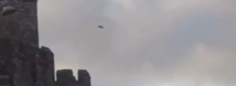 UFO Sighting filmed above Caernarfon Castle in North Wales