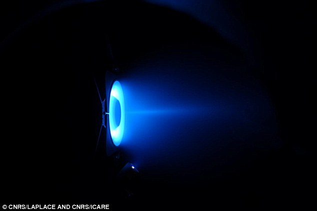 New plasma engine could take humans to Mars on a single ...