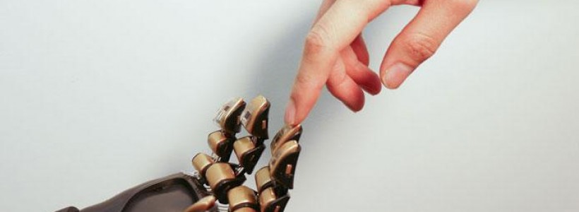 Scientist create artificial skin that can feel what it touches