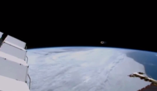 Circle shaped UFO sighting filmed by International Space Station