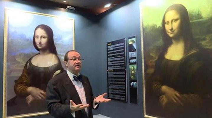 The image on the left is a digital reconstruction of what what is claimed to be behind the Mona Lisa. (Photo: Brinkworth Films)