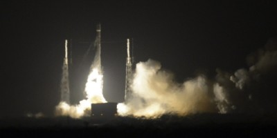 SpaceX makes history, successfully lands Falcon 9 rocket back on Earth
