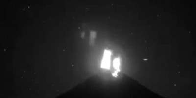 UFO Recorded Over Colima Volcano in the Moment of Eruption – Jan 3rd 2016