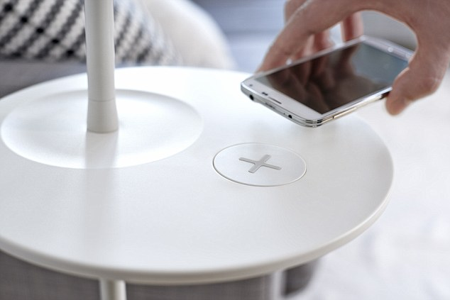 Researchers sya their new system would allow handsets to charge in seconds, with each charge lasting for a week.