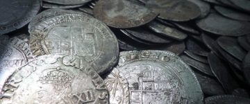 English Civil War Buried Treasure dug up in a muddy Lincolnshire field