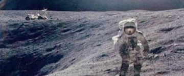 Buzz Aldrin confirms seeing UFOs on the MOON