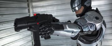 World's first robocop starts work in Dubai