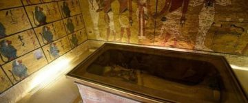 Archaeologists believe the body of Tutankhamun's wife