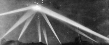 Original Footage From The Battle Of Los Angeles UFO Sighting – 1942