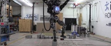Googles 6ft robot can walk a tight rope