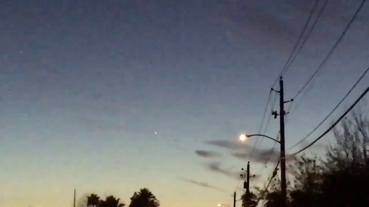 Unknown object filmed hovering in the sky above Italy – 2018