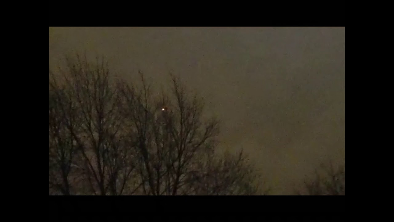 Bright UFOs Filmed Over Louisville in Kentucky – 2nd March 2020.