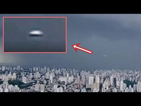 UFO Spotted LIVE in a Storm on a Brazilian Newscast